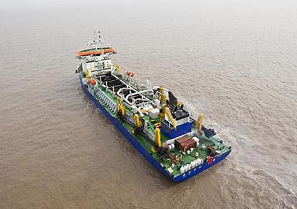 12000方挖泥船