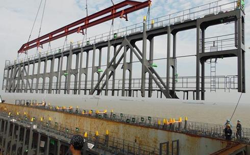 Container Lashing Bridge