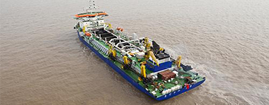 12,000 m³ suction dredger