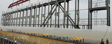 Container Lashing Bridge