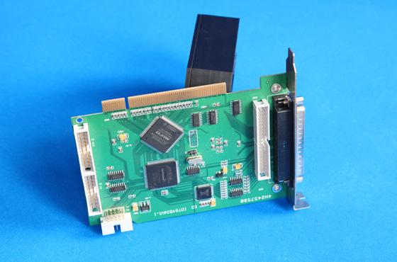 PCI4526-8通道 16位 200Ksps模擬量輸入同步采集卡