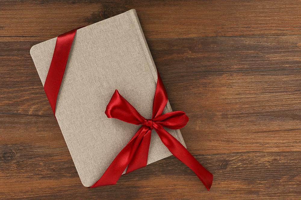 企业礼品定制为何会受到当下市场的欢迎