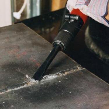 特牢尼凿式除锈机去除焊渣