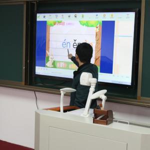 多媒体教学触摸一体机取代投影仪有哪些应用好处?