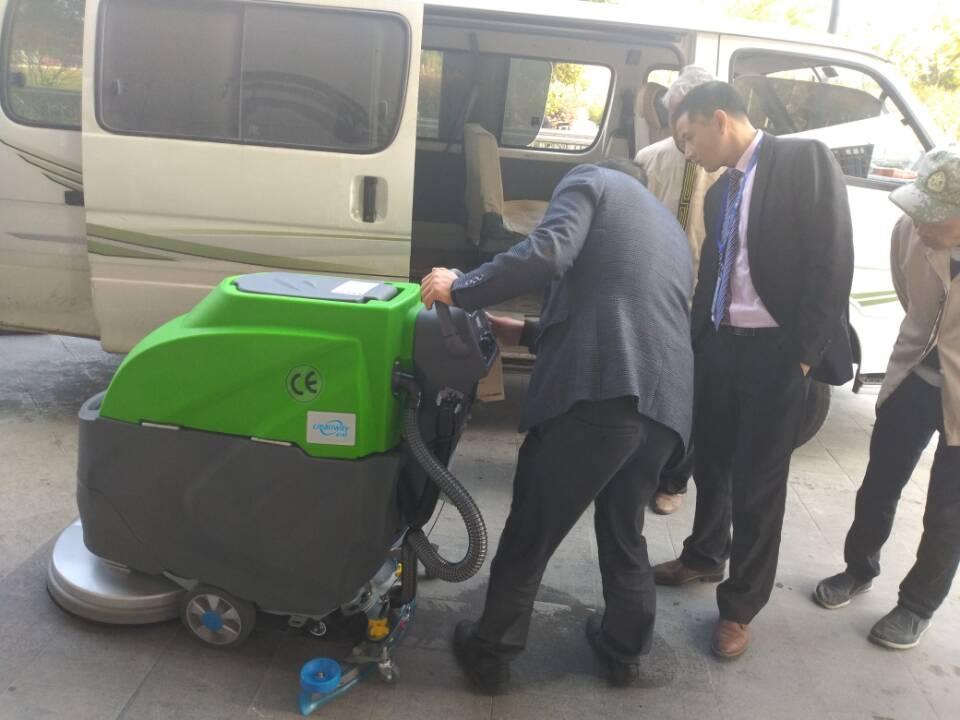 科威50A洗地机及凯驰高压水枪顺利交付苏州某物业