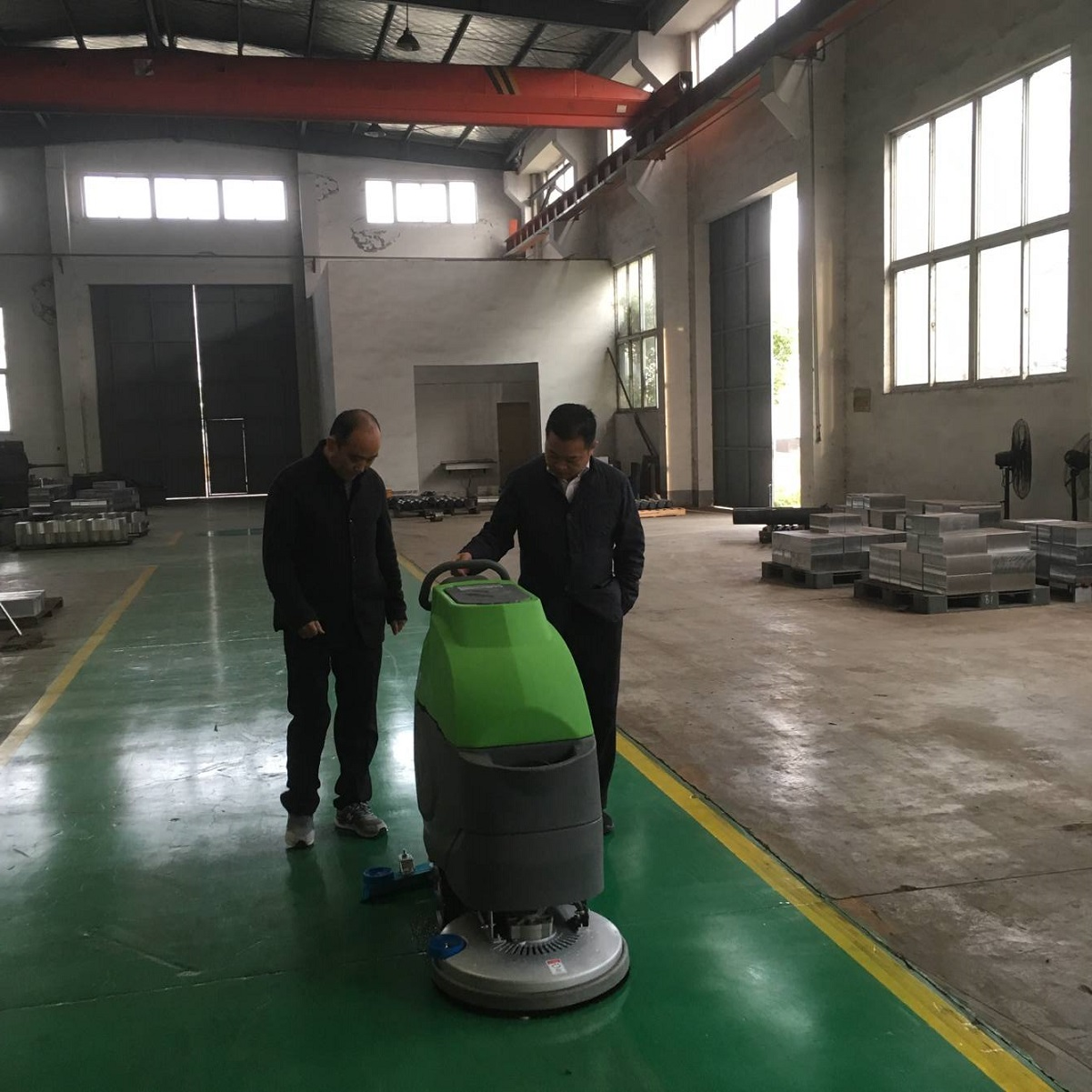 环氧地坪保养—科威洗地机您的好帮手