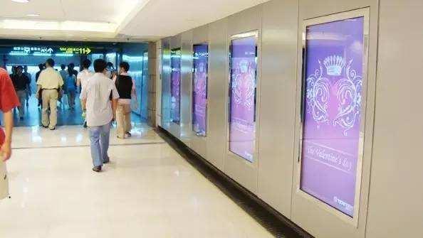 如何看待液晶广告机对生活产生的影响