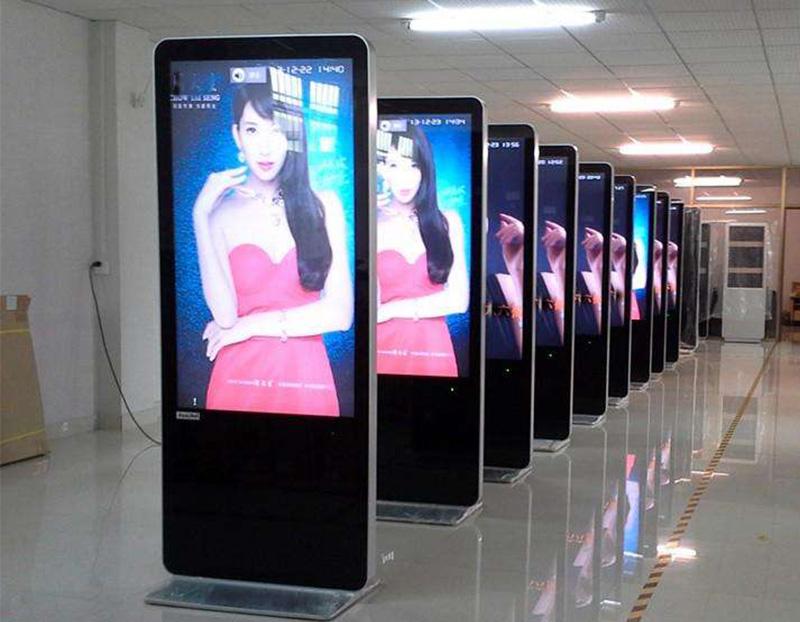 如何购买适合自己的液晶广告机