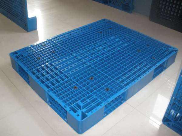 塑料托盤如何辨別新料回料