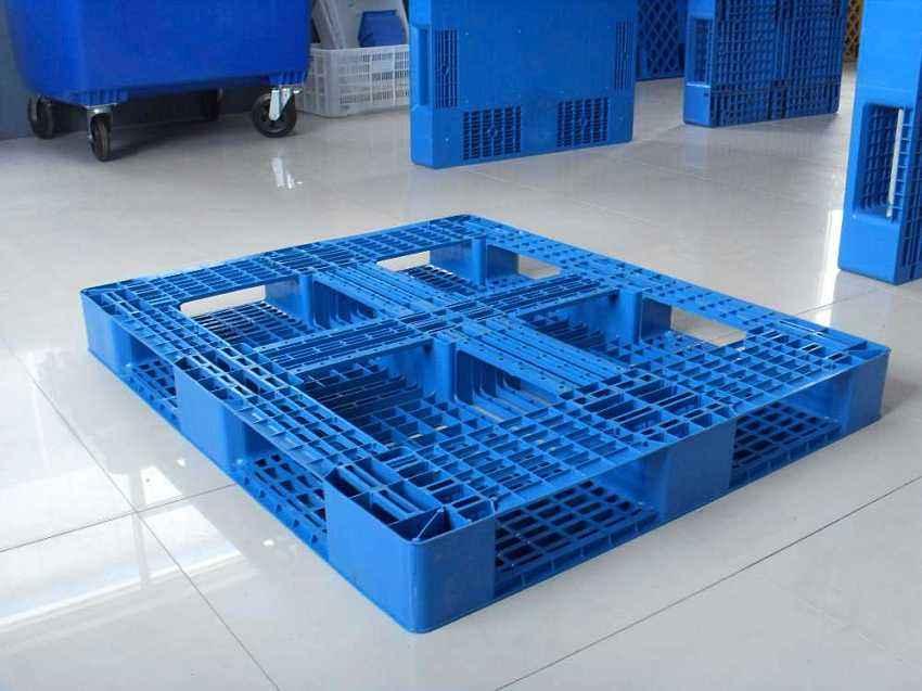 企業選擇網格塑料托盤時到底該怎樣選擇