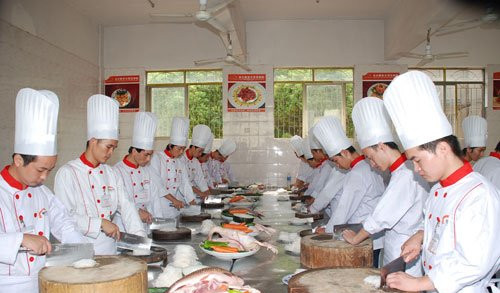 莆田公司自营食堂与饭堂承包经营有哪些区别?