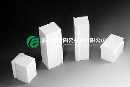 球磨机氧化铝陶瓷衬砖的选用