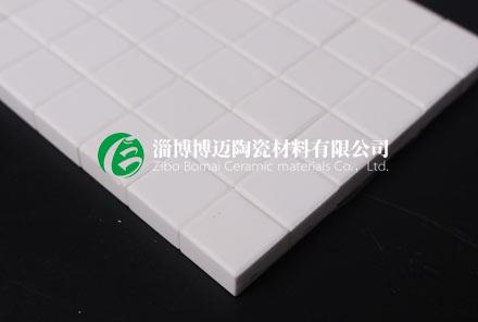 耐磨陶瓷衬片在金属管道内的应用说明