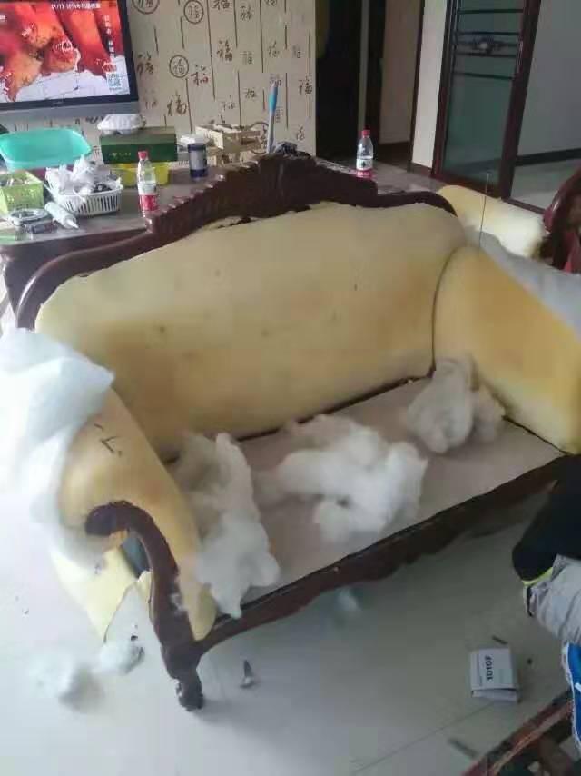 皮沙发翻新前