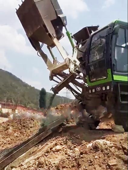 莱州聚峰自上料搅拌车助力泰山混凝土地下管道规划
