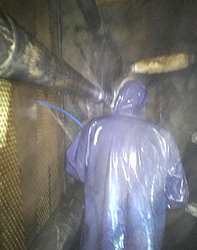 发电厂大型机组列管式冷凝器清洗现场